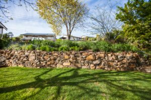 rock wall landscaping launceston