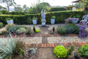 statue, garden, pot plants, flowers, launceston